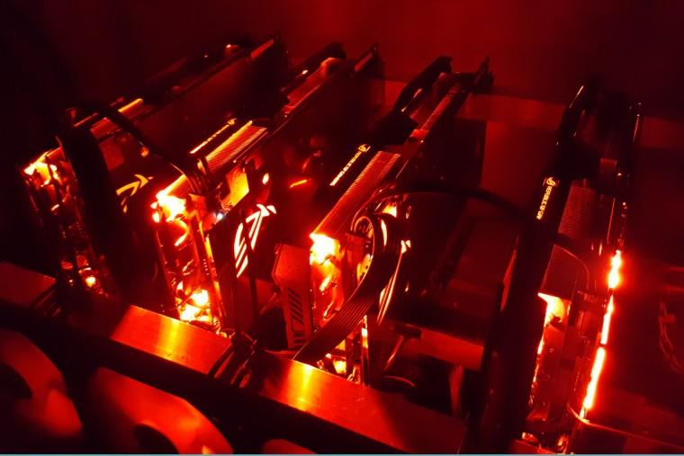 Rig Miner composto da 4 schede AMD RX580